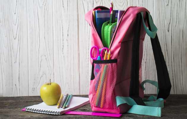 Co uczeń powinien mieć w plecaku