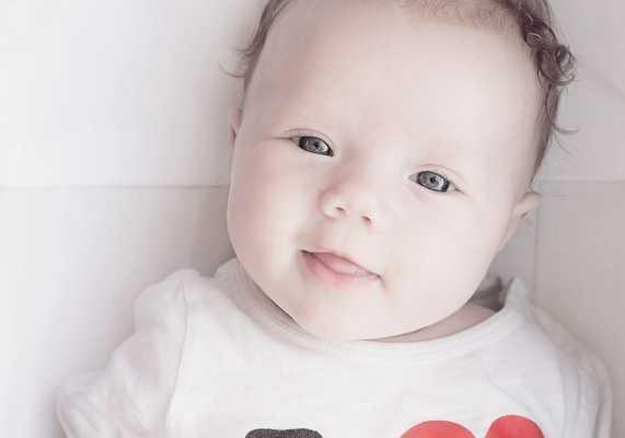 Jak wybierać ubranka dla niemowlaka