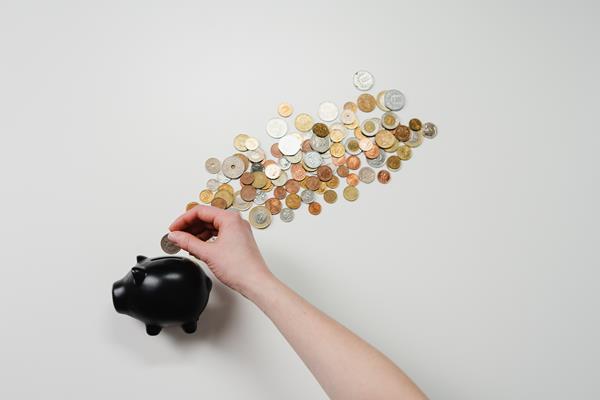 Największa przyczyna problemów z finansami