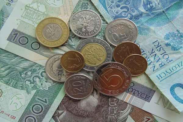 Płaca minimalna teraz na przestrzeni 10 lat, jak się zmieniła?