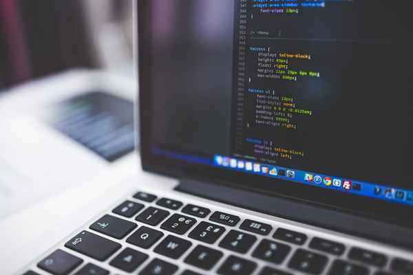 Dlaczego warto zlecać tworzenie strony internetowej profesjonalistom?