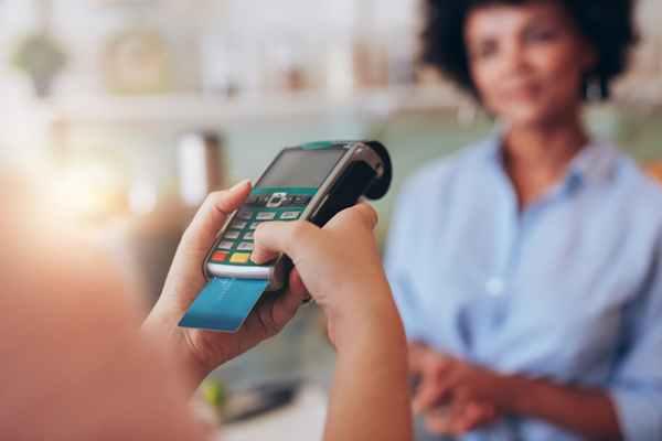 Kradzież pieniędzy z karty – jak złodzieje dostają się do Twojego konta i co możesz zrobić, aby się przed tym zabezpieczyć?