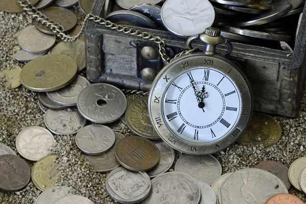 Czy warto kupować stare srebrne monety?